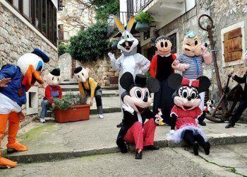 Međunarodni ljetni karnevalna otoku Braču1