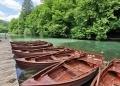 Najam Drvenih čamaca Na Jezeru Kozjak01